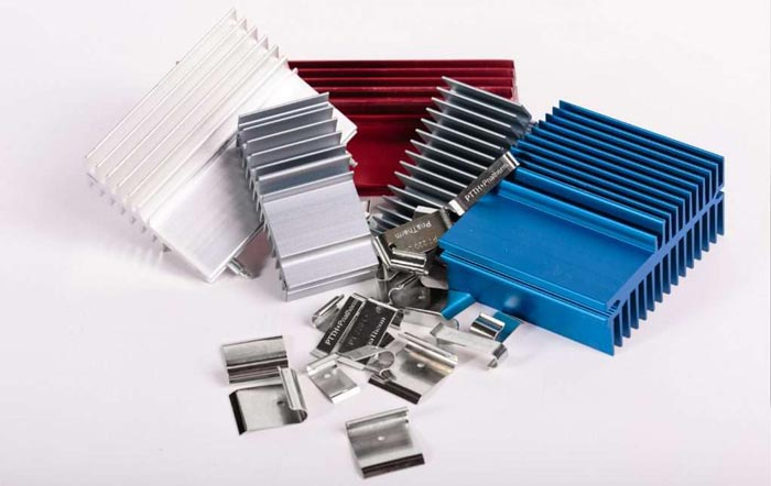 Heat sink with clips: simple element, many advantages