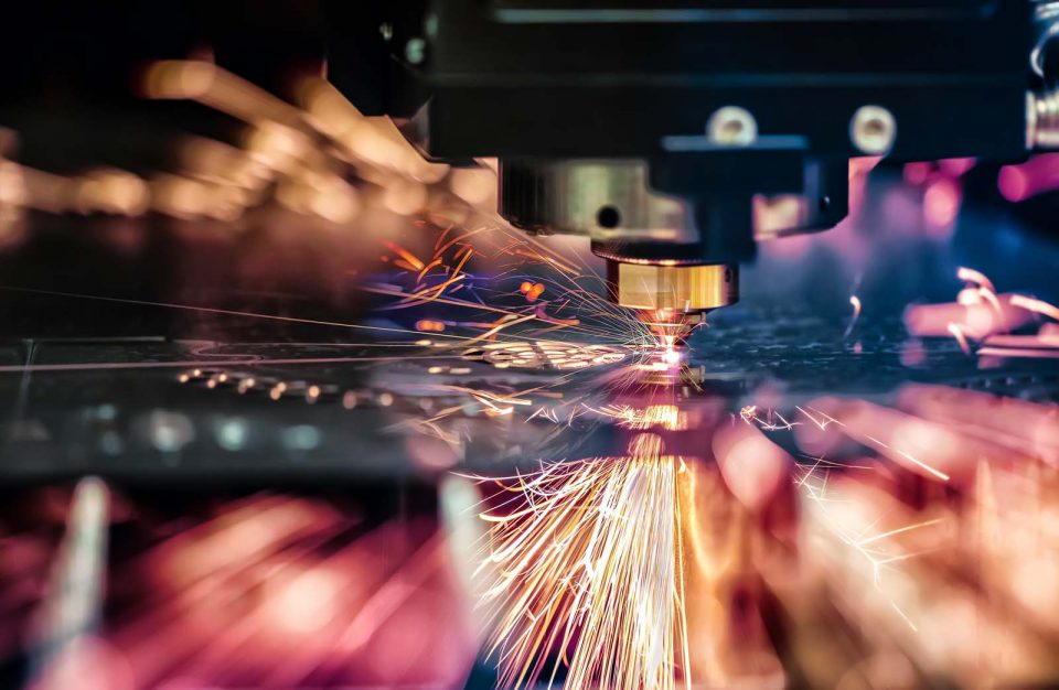 Liquid cooling via stainless steel pipes for Laser industry